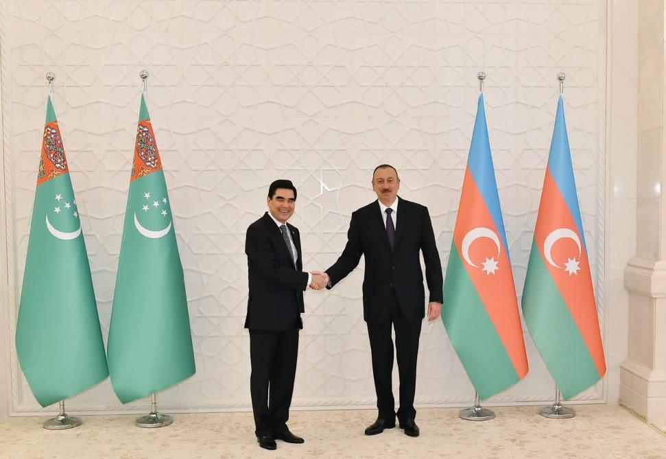 В Баку состоялась церемония официальной встречи президента Туркменистана (ФОТО) - Gallery Image