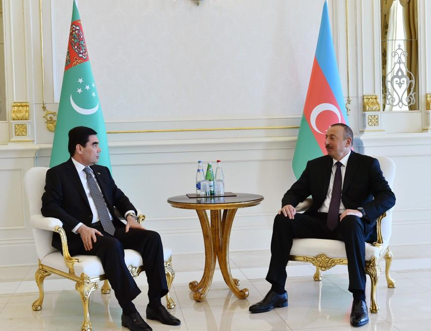 Azerbaijani, Turkmen presidents hold one-on-one meeting (PHOTO) - Gallery Image