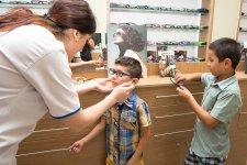 При поддержке Общественного объединения регионального развития воспитанники детдомов прошли офтальмологическое обследование (ФОТО) - Gallery Thumbnail