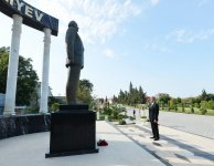 President Ilham Aliyev arrives in Lankaran district for visit (PHOTO) - Gallery Thumbnail