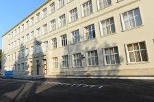 Ilham Aliyev observes school in Baku after major overhaul (PHOTO) - Gallery Thumbnail