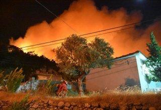 Muğla'da çıkan yangın söndürülemiyor!