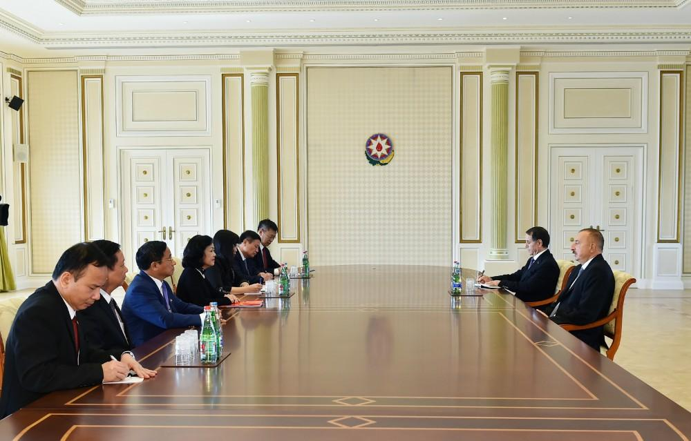 President Aliyev receives delegation led by secretary of Vietnam Communist Party (PHOTO) - Gallery Image