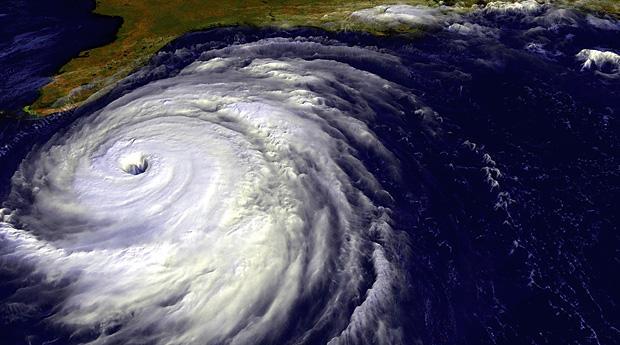 "Ураган ""Флоренс"" достиг побережья Северной Каролины"