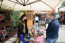 Это праздник каждого, кто хоть раз ощутил себя путешественником – фестиваль в Баку (ФОТО) - Gallery Thumbnail