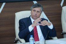 Бывший премьер-министр Чехии в UNEC (ФОТО) - Gallery Thumbnail