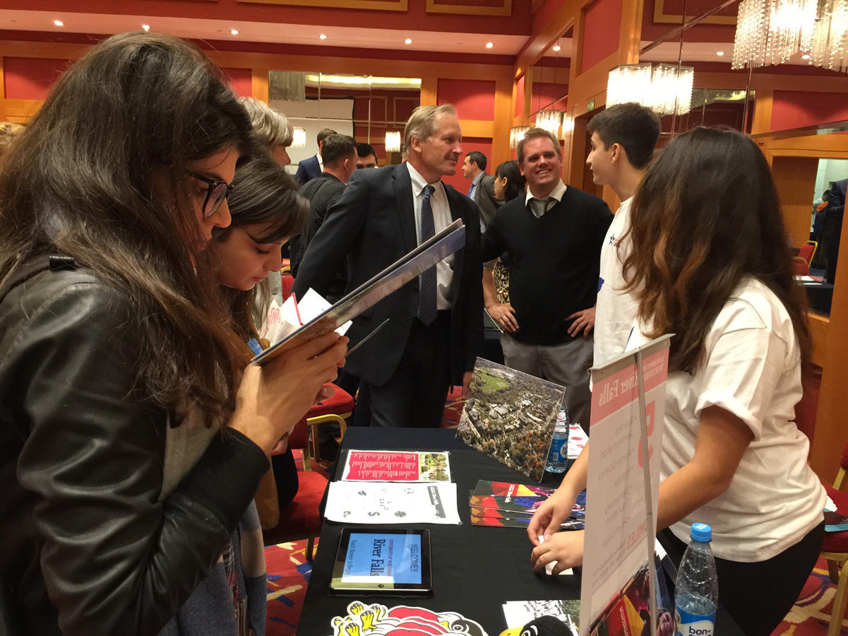 US Embassy organizes US Education Fair in Baku (PHOTO) - Gallery Image