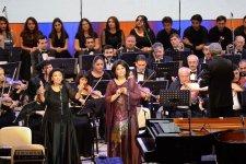 «Золотые ноты» Тофига Гулиева! Грандиозный вечер музыки в Центре Гейдара Алиева (ФОТО) - Gallery Thumbnail