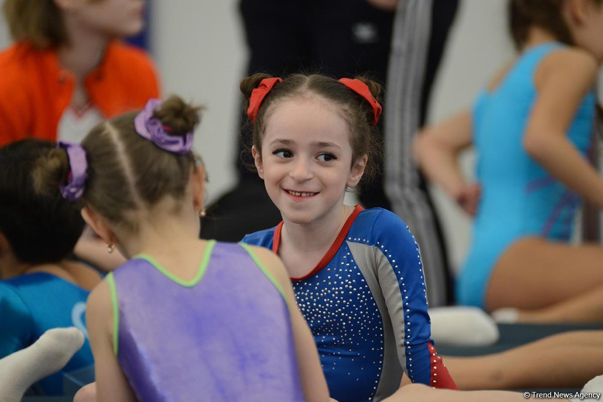 İdman və akrobatika gimnastikası üzrə Azərbaycan çempionatının ikinci günü başlayıb (FOTO) - Gallery Image