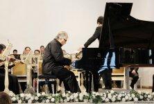 Браво, мастер! Юбилейный концерт Фархада Бадалбейли (ФОТО) - Gallery Thumbnail