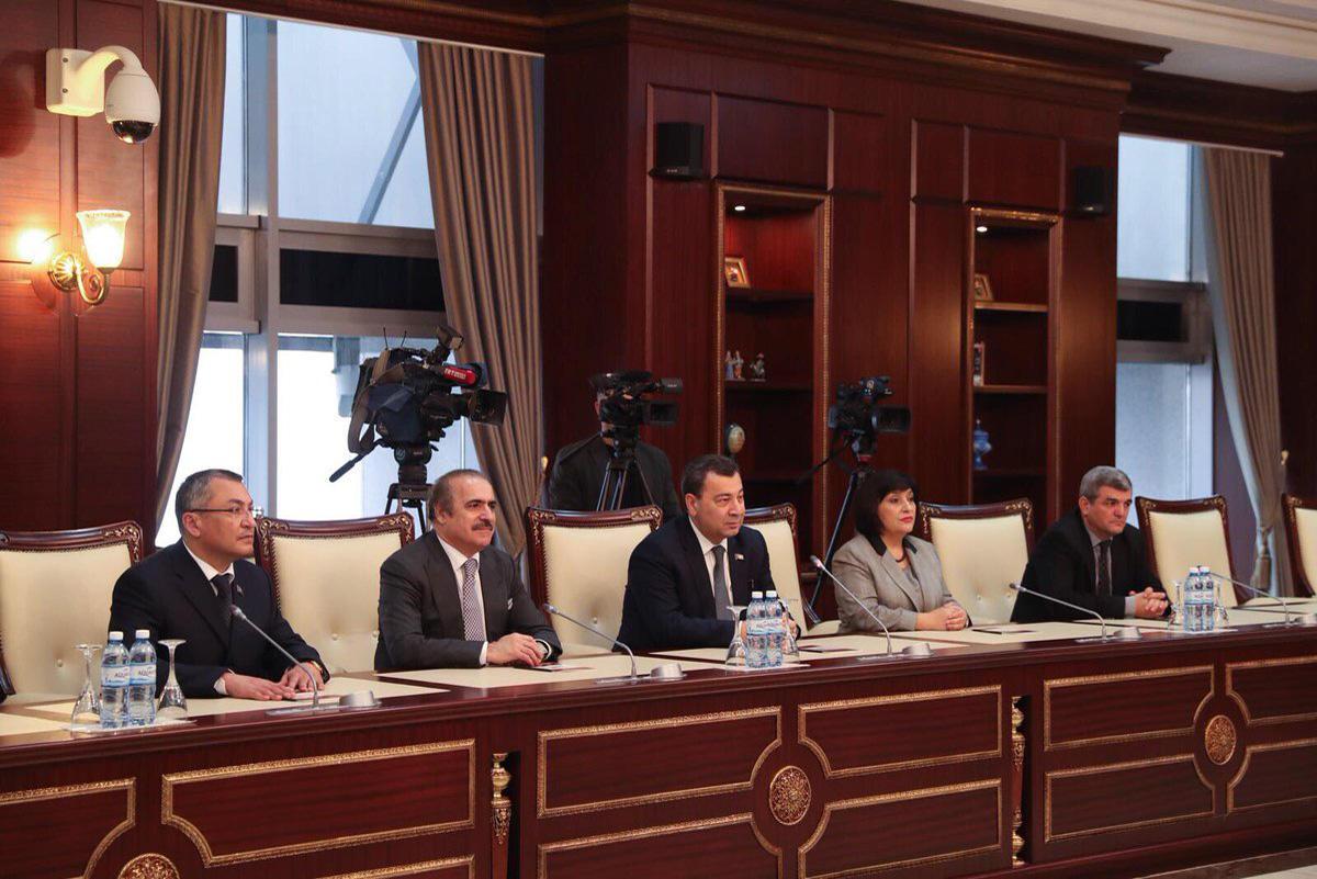 Bakan Çavuşoğlu AKPM Azerbaycan Heyeti Başkanı ile görüştü - Gallery Image