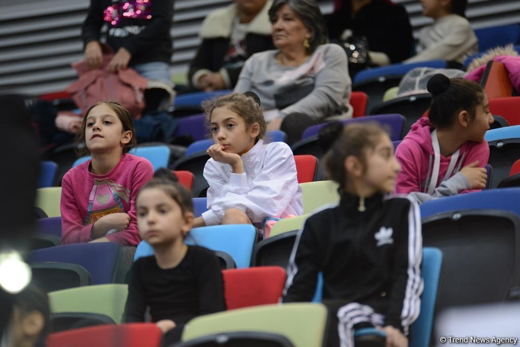 Bədii gimnastika və batut üzrə Azərbaycan birinciliyinə start verilib (FOTO) - Gallery Image