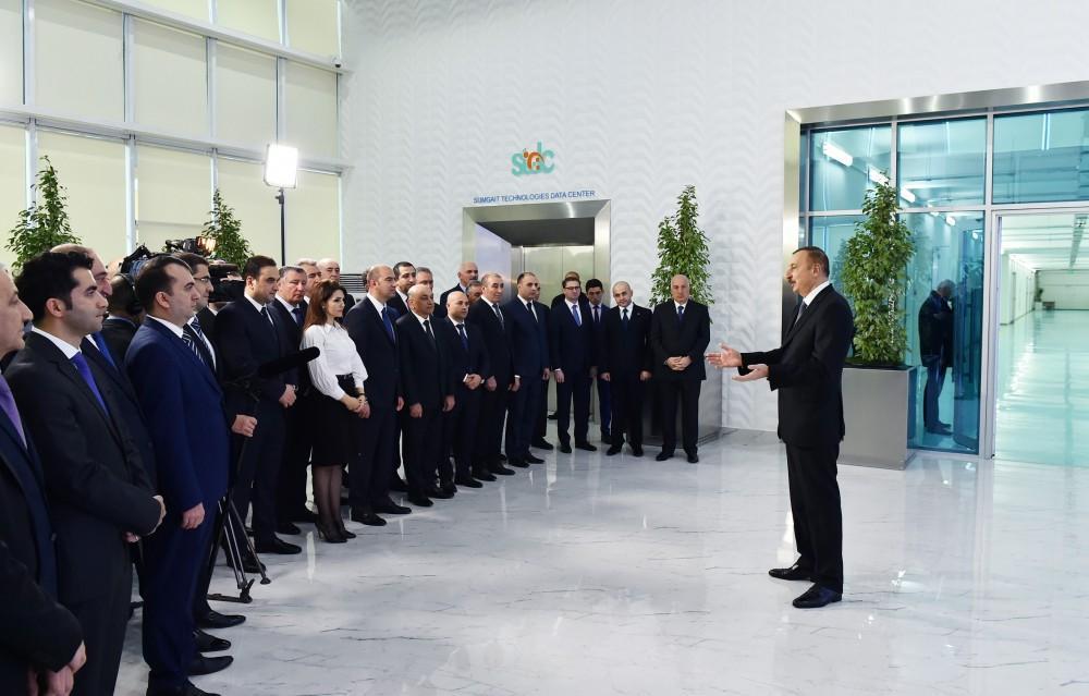 Ilham Aliyev visits Sumgait Chemical Industrial Park (PHOTO) - Gallery Image