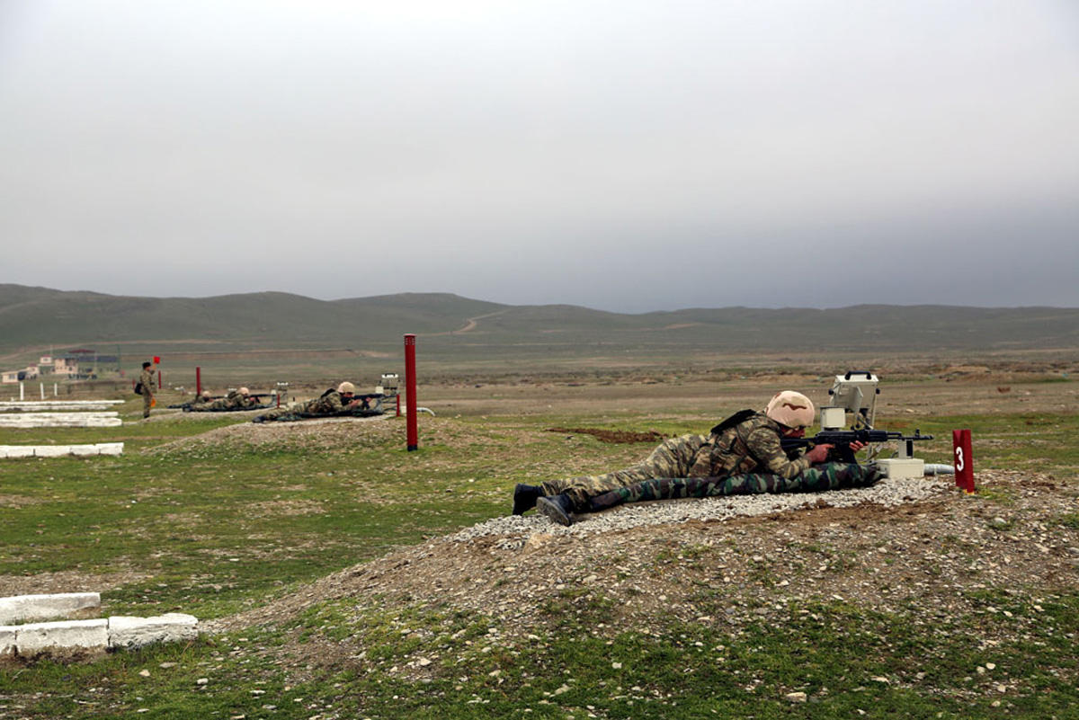 Azerbaijani Armed Forces' trainings underway (PHOTO)