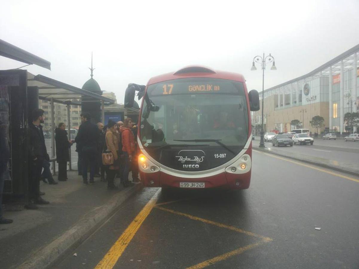 """Bakıda 17 saylı marşrut  """"Baku Bus"""" avtobusları ilə fəaliyyətə başladı (FOTO) - Gallery Image"""
