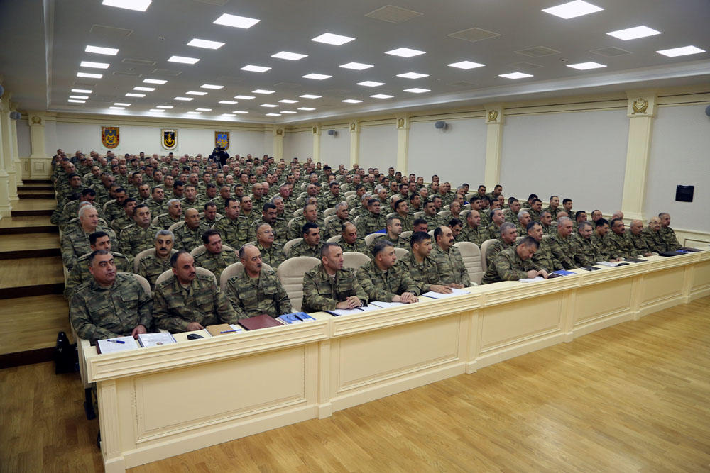 Azerbaijan's Defense Ministry holds extended session of Board on results of 2017 (PHOTO) - Gallery Image