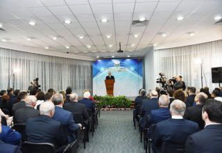 Azerbaijani president, first lady attend event dedicated to sports results of 2017 (PHOTO)