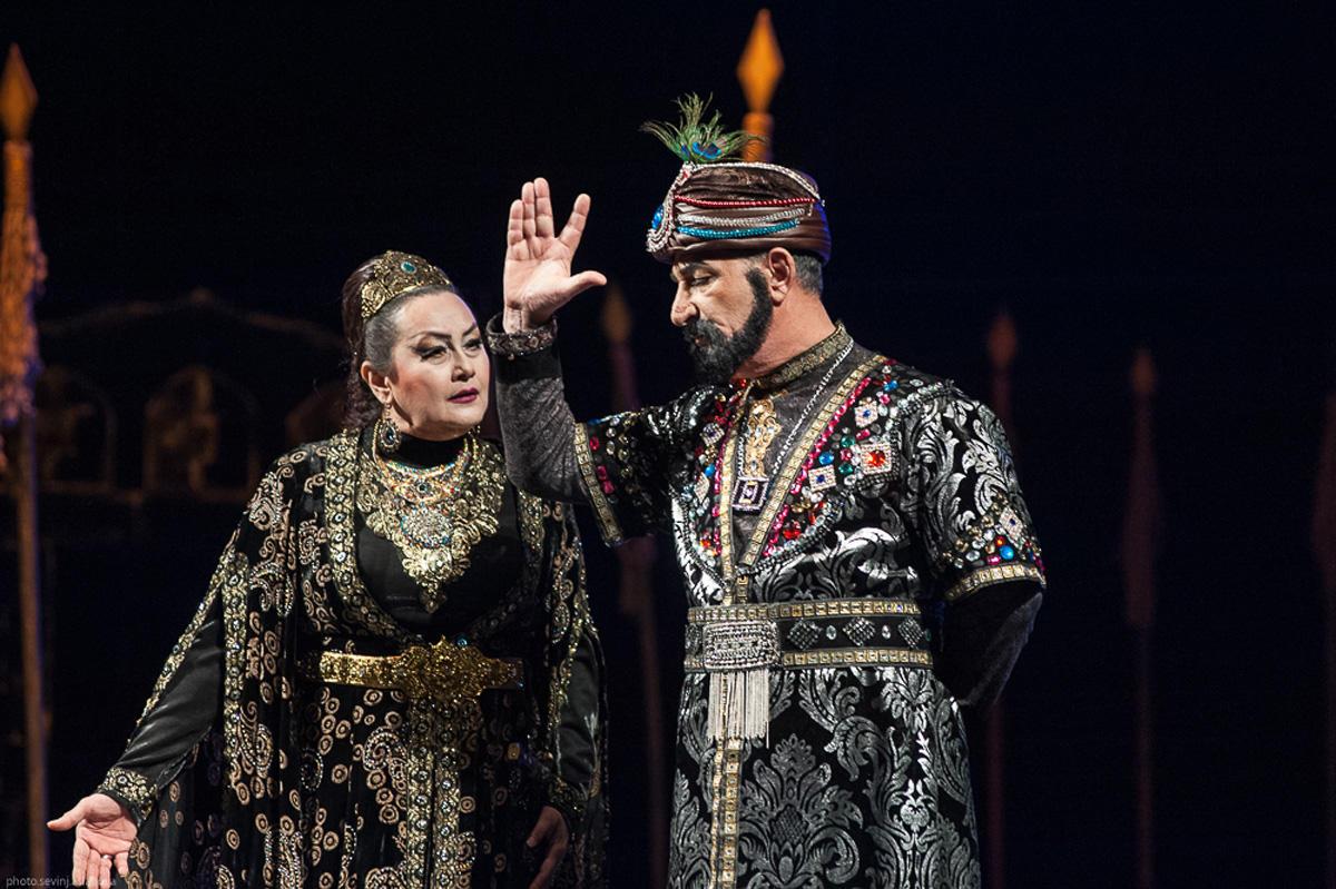 Бести Джафарова стала дочерью правителя Гянджи в свой юбилей (ФОТО) - Gallery Image