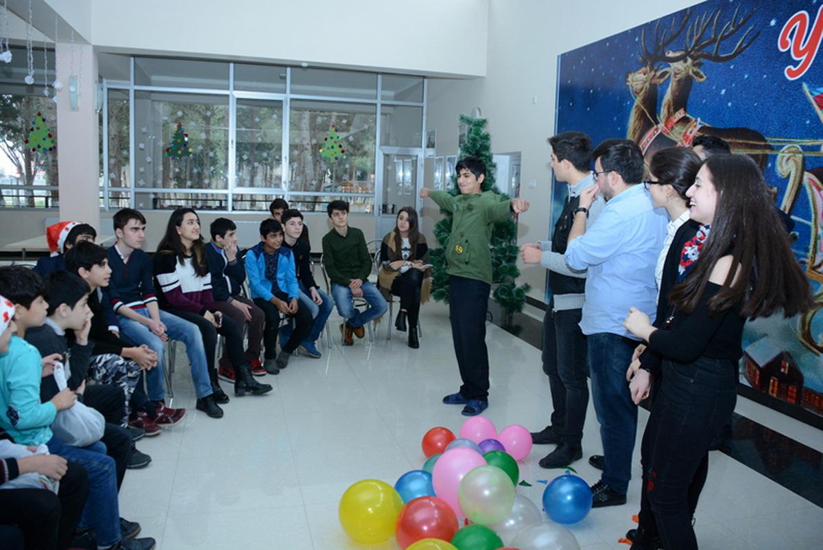Образцовый шаг студентов UNEC (ФОТО) - Gallery Image