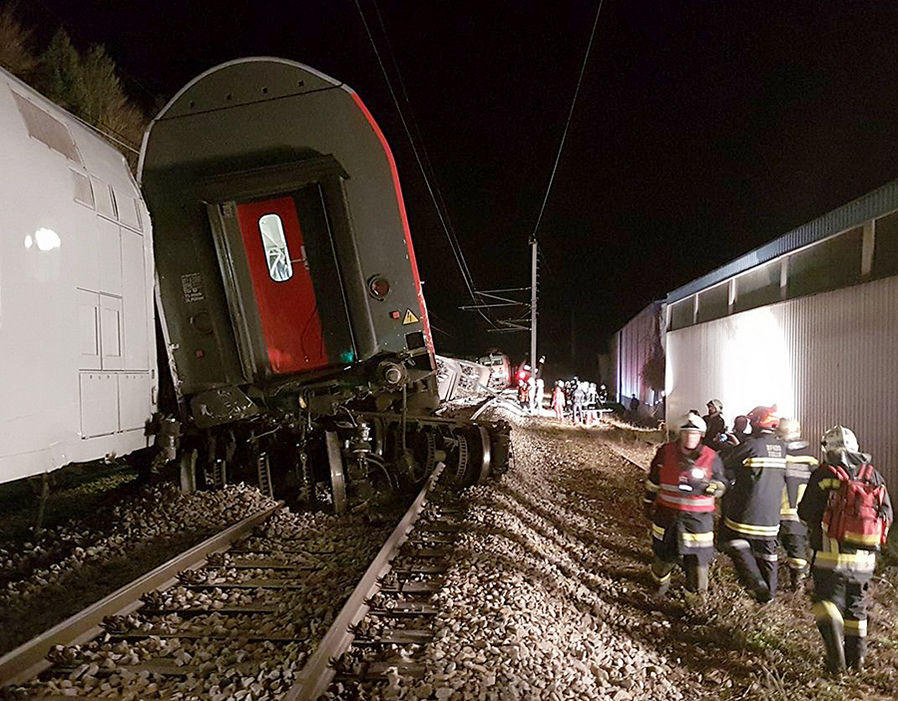 Two trains collide in Austria – multiple injuries (PHOTO) - Gallery Image