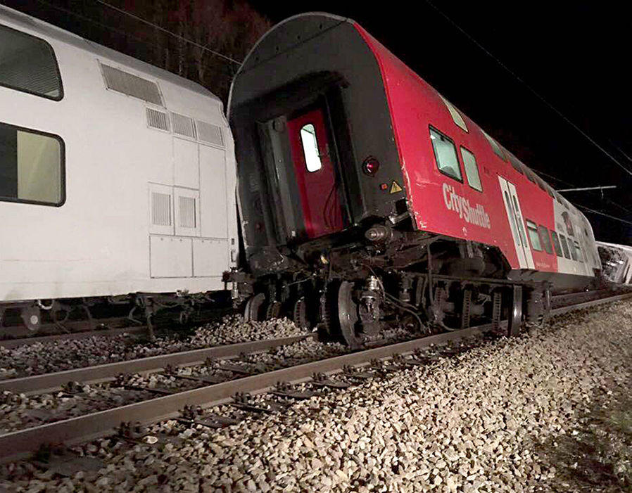 Two trains collide in Austria – multiple injuries (PHOTO)