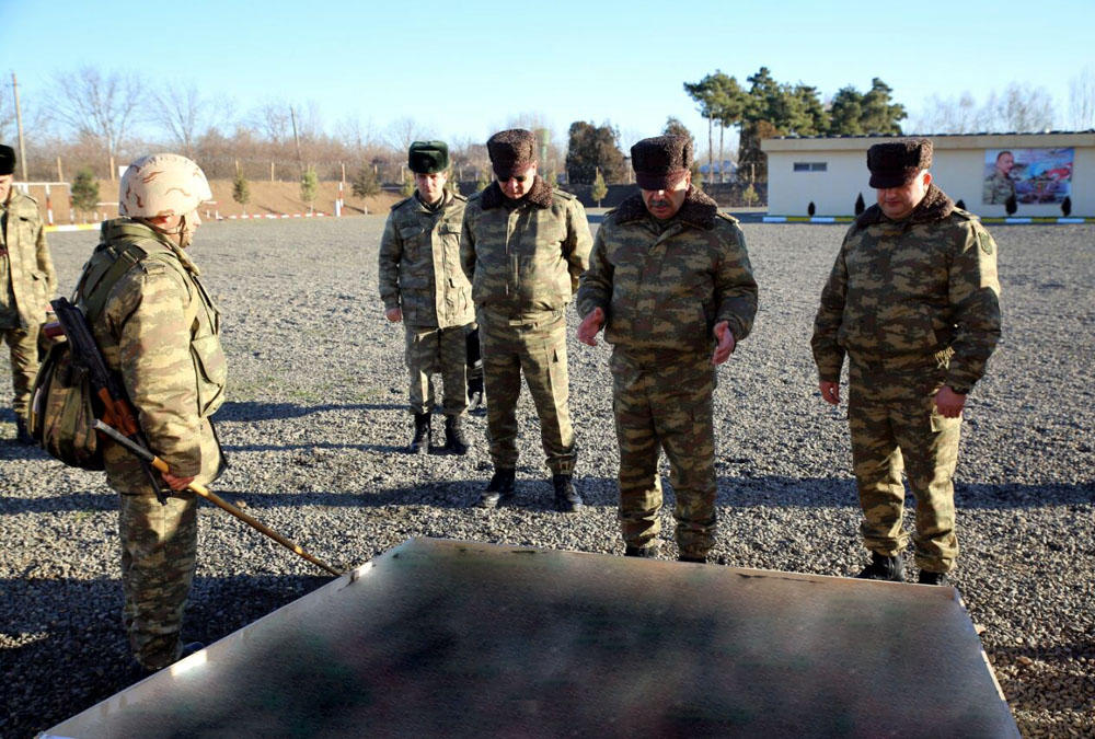 Azerbaijan's defense minister checks state of combat readiness of units in frontline zone (PHOTO) - Gallery Image