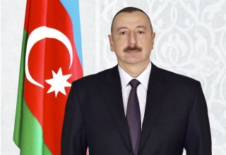 President Ilham Aliyev receives congratulations on Republic Day