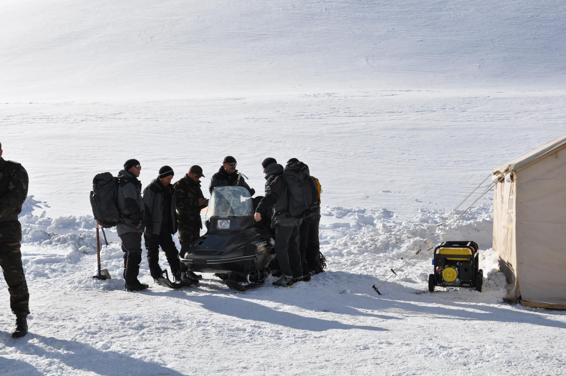 Operational meeting held as part of search for missing Azerbaijani mountaineers - Gallery Image