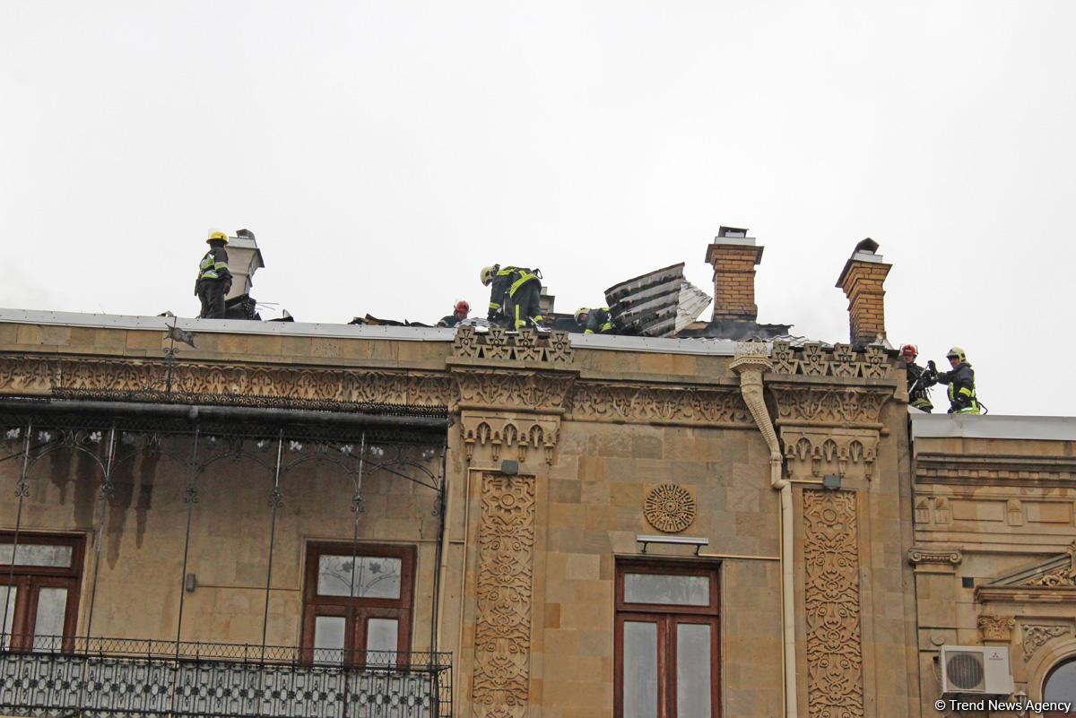 Пожар в жилом здании в центре Баку локализован (ФОТО) (Обновлено) - Gallery Image