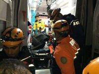 Yolcu otobüsü devrildi! Ölü ve yaralılar var (FOTO) - Gallery Thumbnail