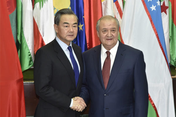 Uzbek, Chinese FMs mull issues of bilateral relations