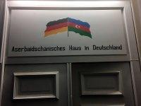 Almaniyada Xocalı soyqırımının 26-cı ildönümünə həsr olunmuş növbəti tədbir keçirilib (FOTO) - Gallery Thumbnail