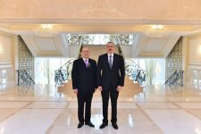 Ilham Aliyev presents Dostlug Order to director of Moscow Satire Theater (PHOTO) - Gallery Thumbnail