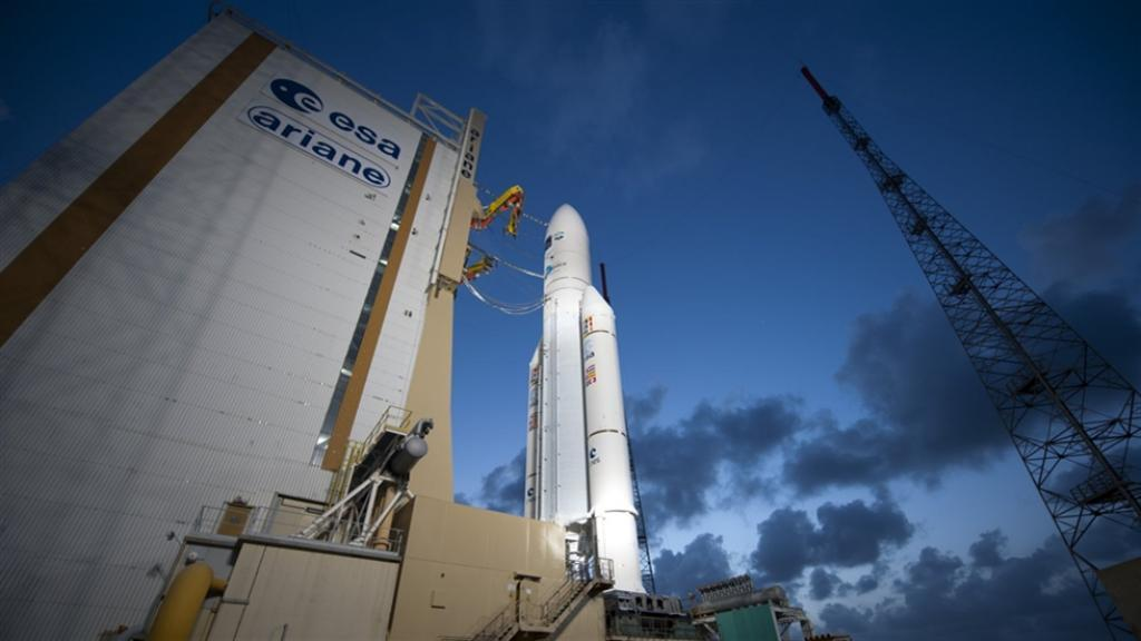 Ракета Arianе 5 с двумя телекоммуникационными спутниками стартовала с космодрома в Куру