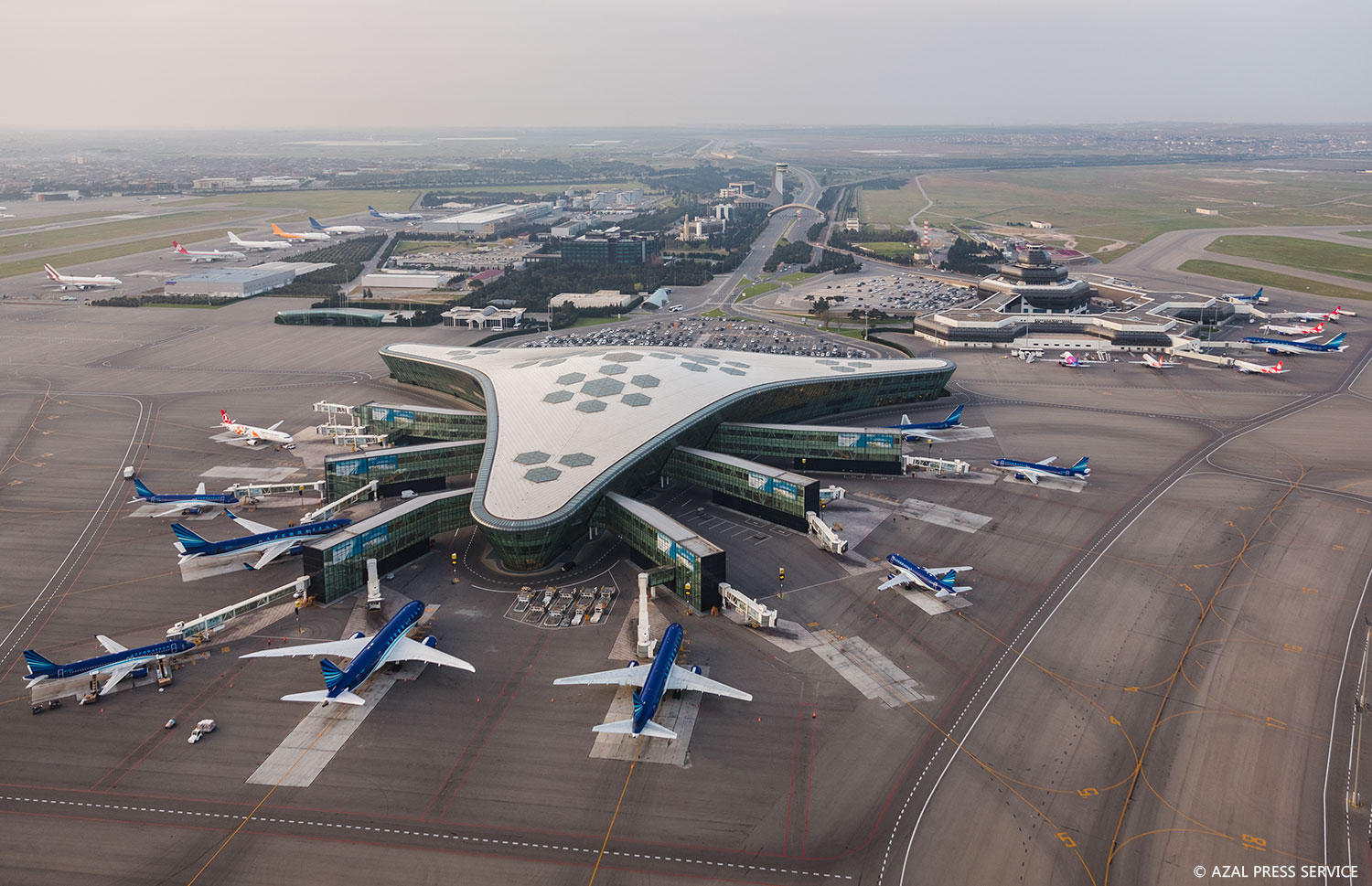 Baku airport's operation unaffected by heavy fog