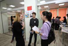"""Bakıda EducationUSA """"Alumni Fair"""" təhsil sərgisi keçirilib (FOTO) - Gallery Thumbnail"""