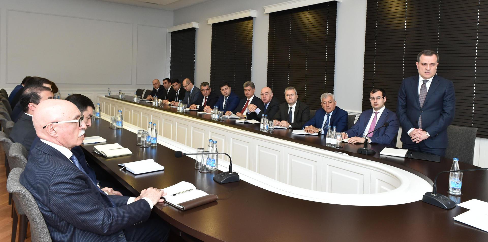 Azerbaijani Presidential Administration head introduces new education minister (PHOTO)