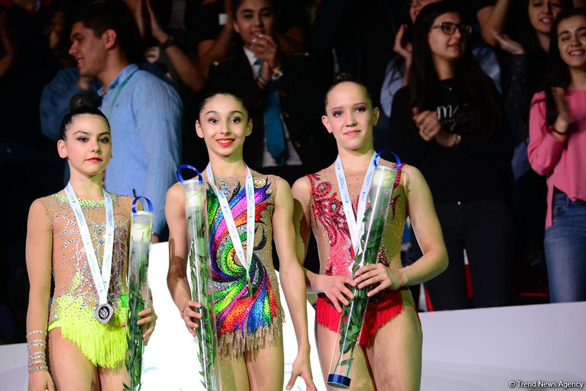 В Баку награждены призеры AGF Junior Trophy в упражнениях с булавами и лентой (ФОТО) - Gallery Image