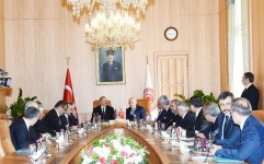 Prezident İlham Əliyev Türkiyə Böyük Millət Məclisinin sədri ilə görüşüb (YENİLƏNİB) (FOTO) - Gallery Thumbnail