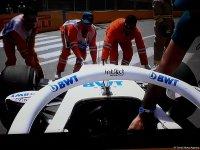 Bakıda Formula yarışlarında QƏZA - Bolid yanmaqdan son anda qurtuldu (FOTO) - Gallery Thumbnail