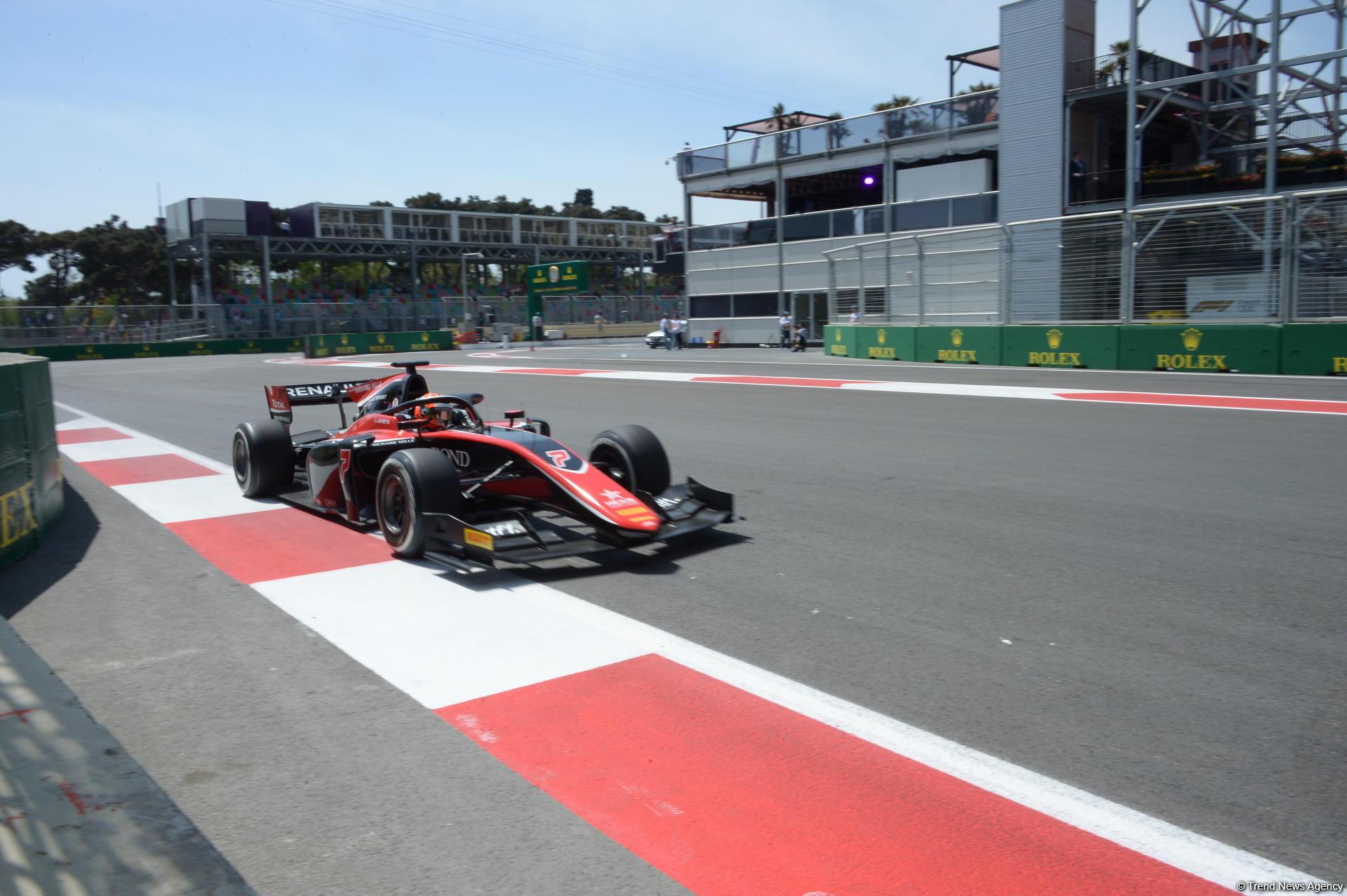 Bakıda FIA Formula 2-də sərbəst yürüşlər başa çatdı (YENİLƏNİB) (FOTO) - Gallery Image