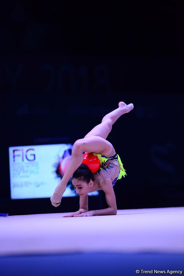 Bakıda bədii gimnastika üzrə Dünya Kubokuna start verildi (FOTO) - Gallery Image