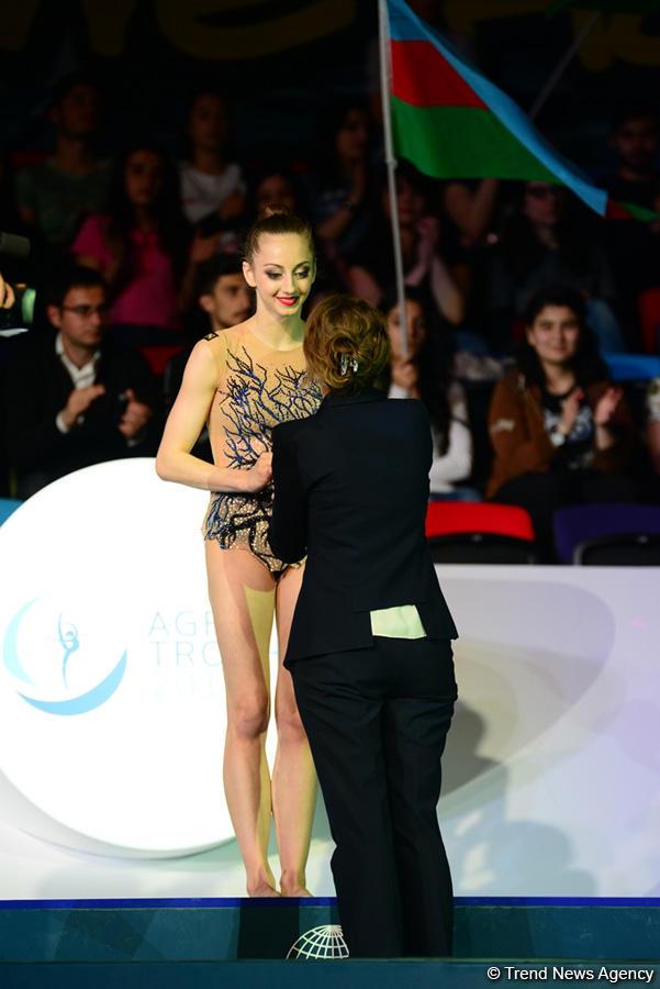 В Баку прошла церемония награждения призеров индивидуальных финалов Кубка мира по художественной гимнастике (ФОТО) - Gallery Image