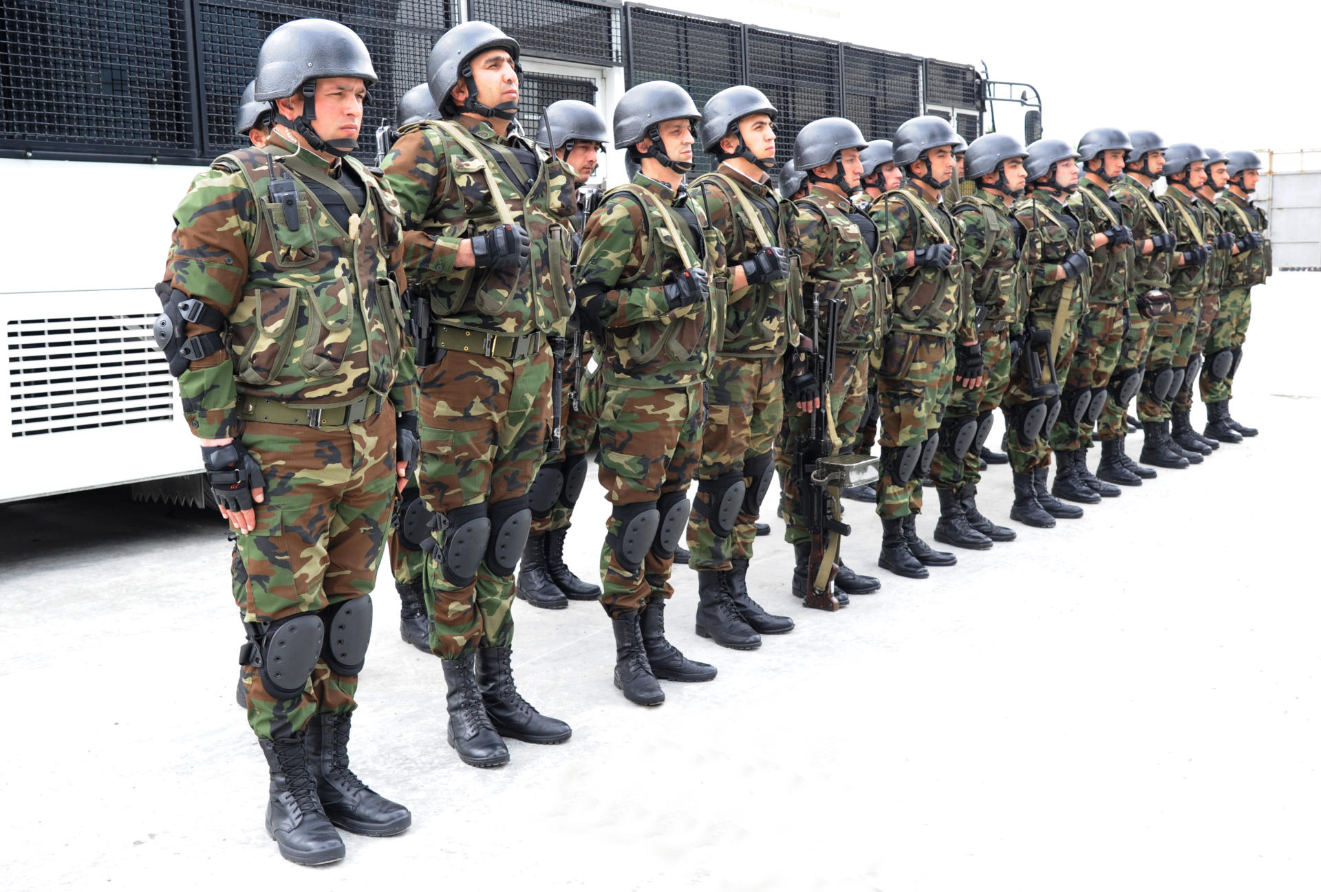 Servicemen of Azerbaijani Internal Troops urgently sent to Barda
