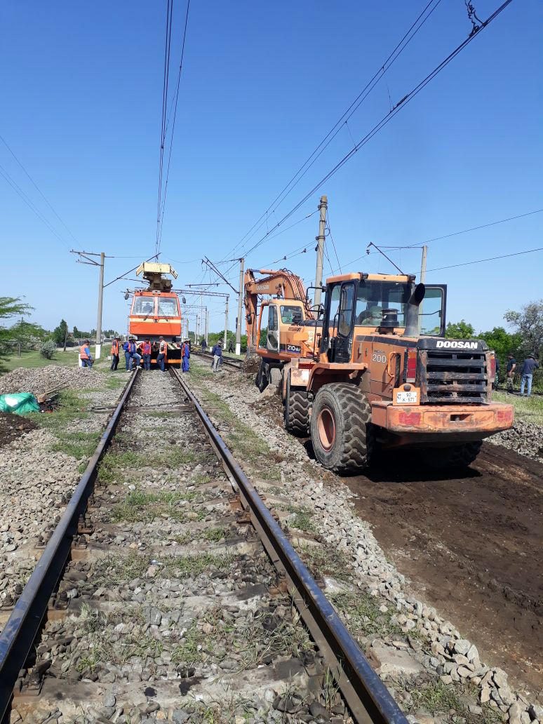 New switches being laid at Azerbaijan's Mingachevir railway station (PHOTO) - Gallery Image