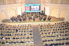 Heydər Əliyevin xatirəsinə həsr olunmuş klassik musiqi gecəsi keçirilib (FOTO) - Gallery Thumbnail