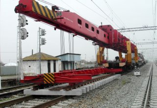 New switches being laid at Azerbaijan's Yevlakh railway station (PHOTO)