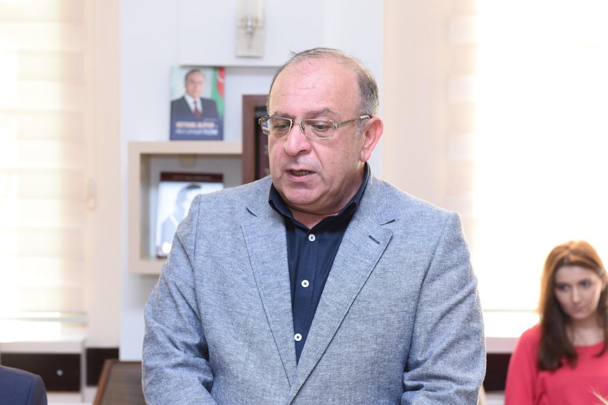 Azərbaycan Dillər Universitetində kitab sərgisi keçirilib (FOTO) - Gallery Image