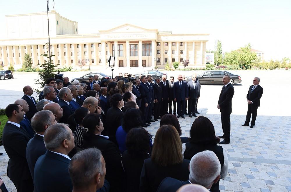 Prezident İlham Əliyev Naxçıvan Müəllimlər İnstitunun yeni binasının açılışında iştirak edib (FOTO) (YENİLƏNİB) - Gallery Image