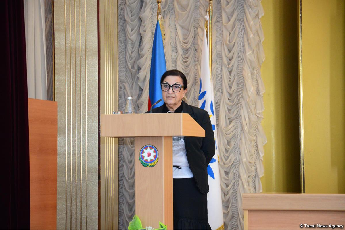 YAP-ın Xətai rayon təşkilatında Azərbaycan Xalq Cümhuriyyətinin 100 illiyi qeyd edilib (FOTO) - Gallery Image